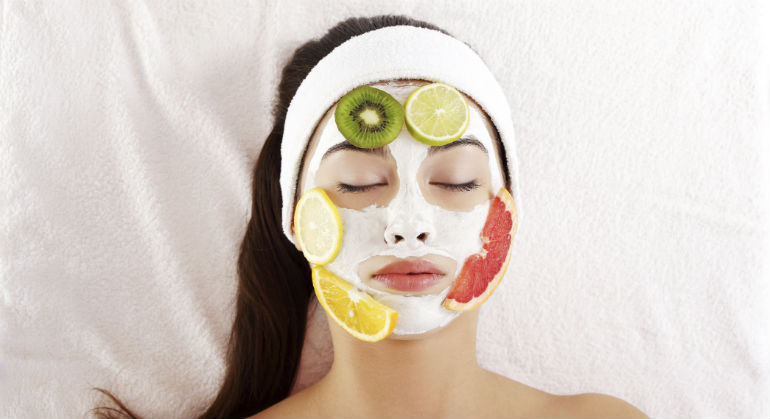 питательная маски для лица зимой