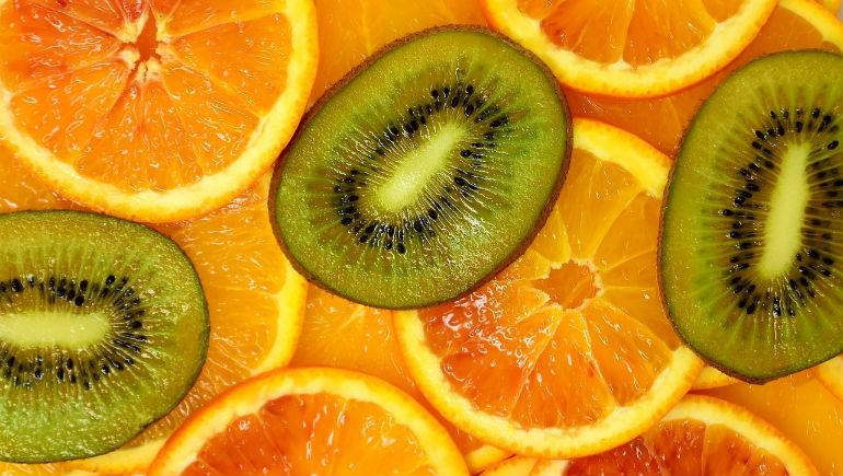 какие витамины лучше принимать весной женщинам
