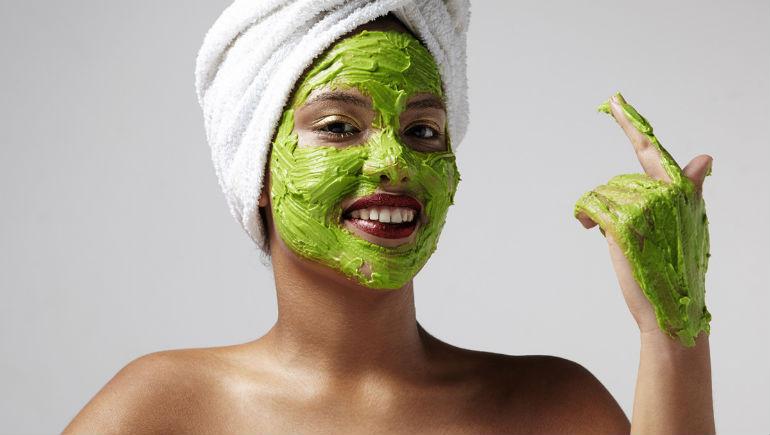 натуральная увлажняющая маска для лица в домашних условиях